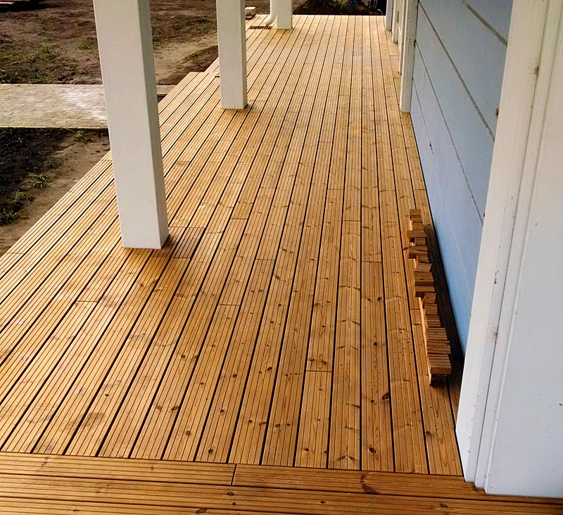 Монтаж террасы для финского дома
